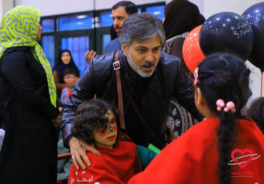دیدار کودکان با حامیاد در جشن ارمغان شریف