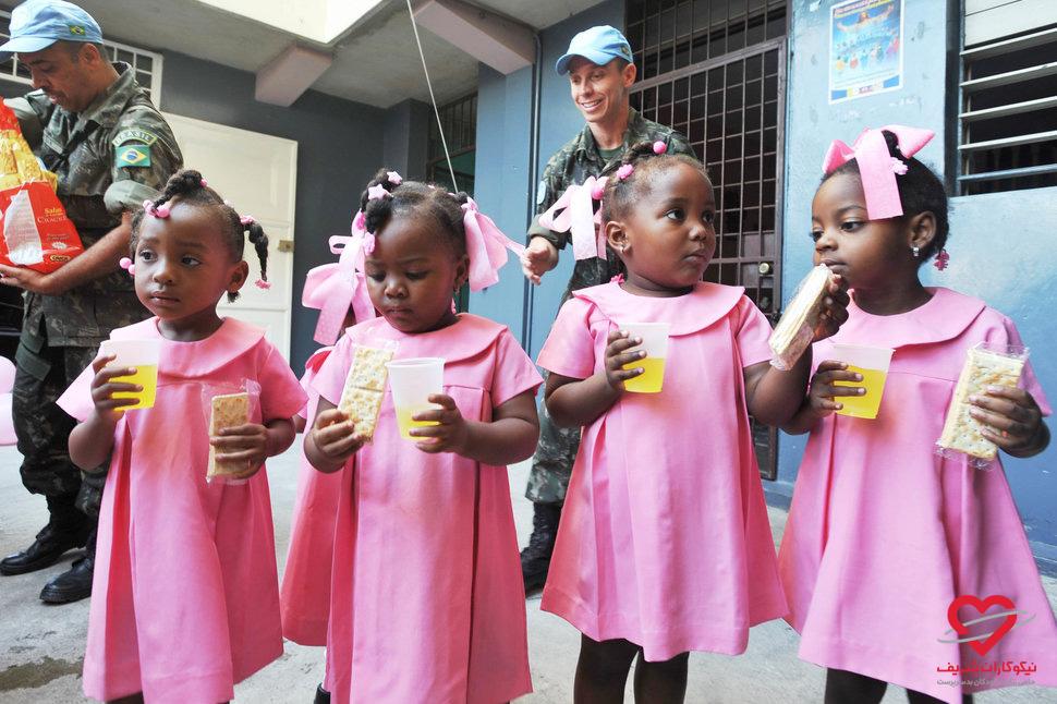 تحصیل حق همه کودکان است - هائیتی - موسسه خیریه نیکوکاران شریف