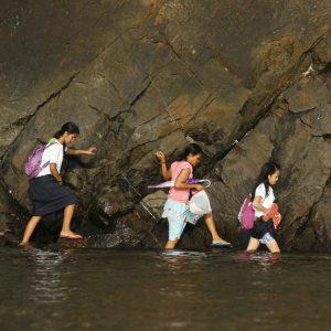۵۵ عکس باورنکردنی از مدرسه رفتن دختران در سراسر دنیا (بخش اول)